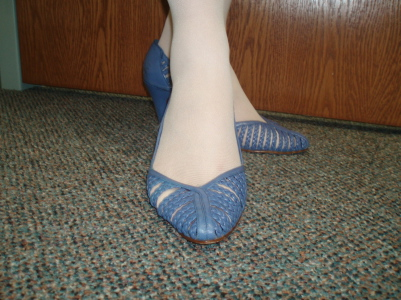 blue_shoes2.jpg